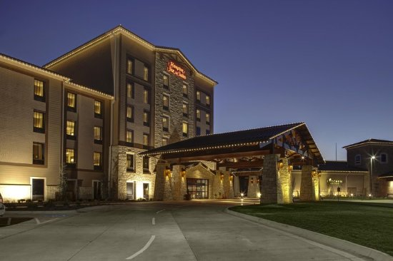 Mulvane, KS: Hotel Exterior