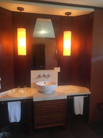 Poindimie, Nueva Caledonia: belle salle de bains