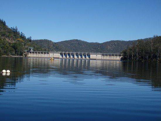 Somerset Dam, Australia: Dam Wall