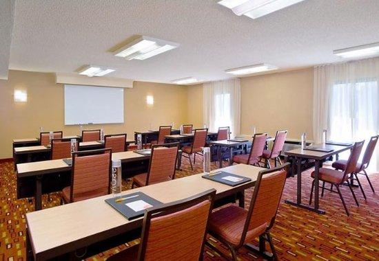 Courtyard Fresno: Meeting Room- Classroom Set Up