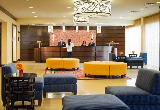 Saddle Brook, NJ: Lobby