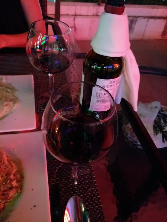 Casa Mia Italian Restaurant: good wine