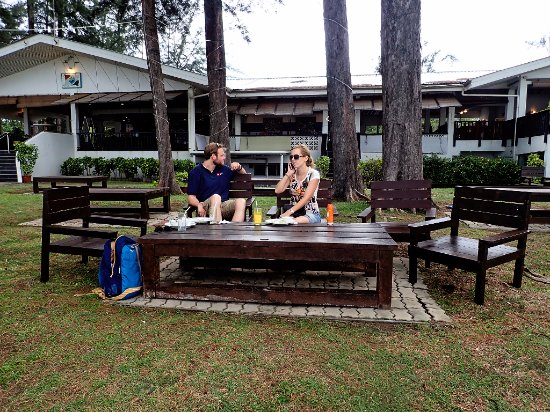 Piasau Boat Club: Enjoying lunch