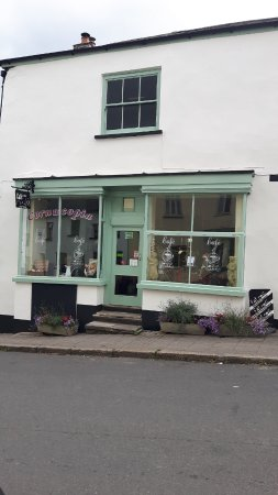 Hatherleigh, UK: Our New Look Cafe