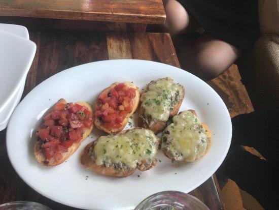 Cafe Delhi Heights: Tomato & Mushroom Bruschetta