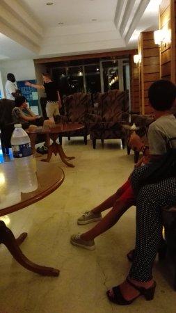 Hotel Riu Playa Park : Mirar como llegan