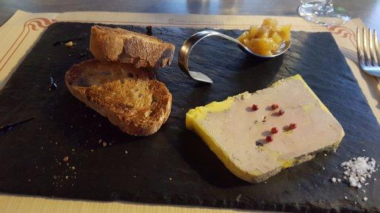 Alvignac, France: Foie gras de canard chutney mangue abricot