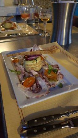 Alvignac, France: carpaccio de poulpes et sa petite salade thai