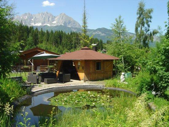 Oberndorf, Autriche : Grillhaus am Seerosenteich