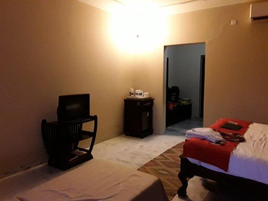 Hotel The Hadoti Palace Bundi : 20170810_153302_large.jpg