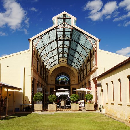 Charters Towers, Australia: Exterior view.