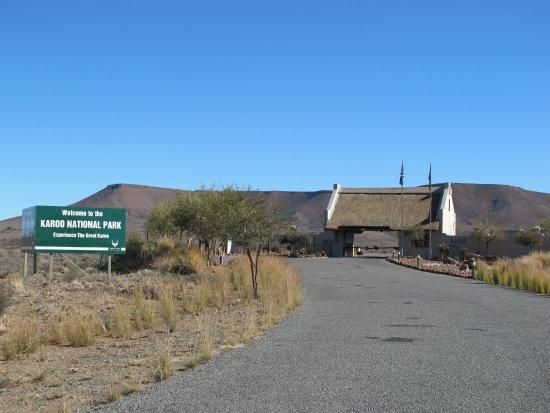 Karoo National Park Unterkunfte: Einfahrt zur Kleinen Karoo National Park