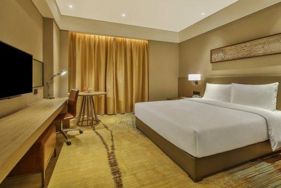Holiday Inn Express Chengdu Wenjiang Hotspring: 标准大床房