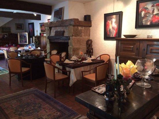 Mirande, Fransa: Indoor Dinning Room