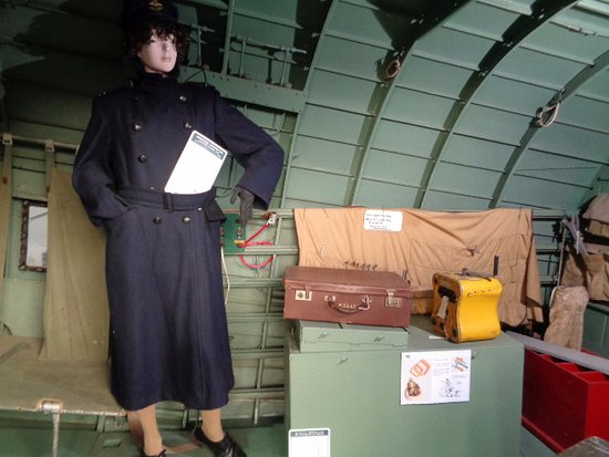 Aviation Heritage Museum: Inside the DC3