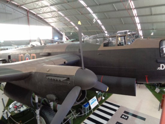 Aviation Heritage Museum : Lancaster Bomber pride of place in building 2