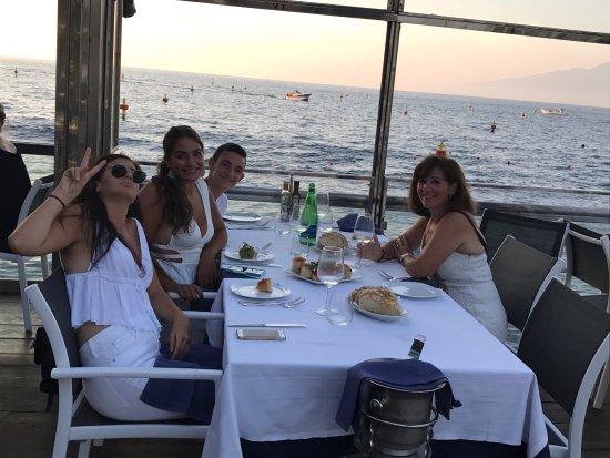 Delfino #1 in sorrento. picture of ristorante bagni delfino