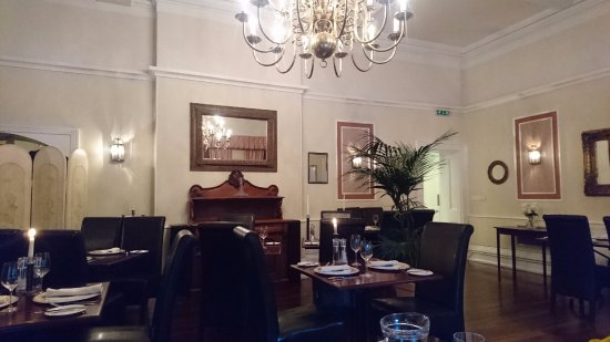 Charmouth, UK: The Dining Room
