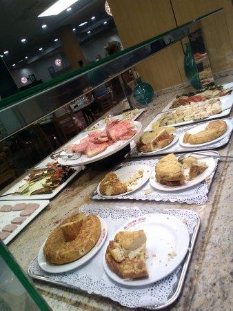 El buffet libre gran jonquera la jonquera restaurant for Restaurant la jonquera
