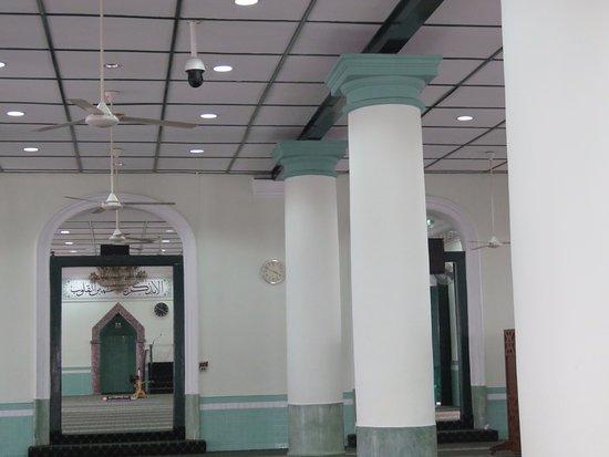 Bugis, Singapur: Het interieur van de Jamae Mosque.