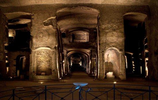 圣热内罗地下墓穴