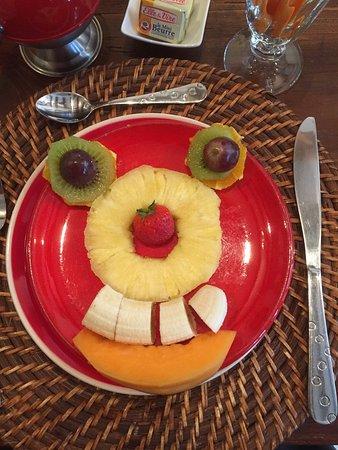 Chez Charitha : Frühstück - jeden Morgen ein anderer Obst-Smiley