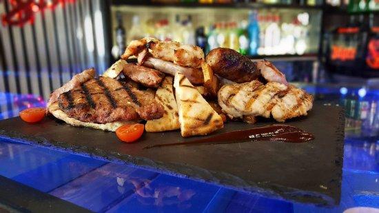 Livadia, Griechenland: #LoftYourTaste ! Mix Grill !