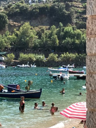 Dessimi Boats: Definitely recommend renting a boat from Spiros on Dessimi beach. Stunning coves, snorkelling an
