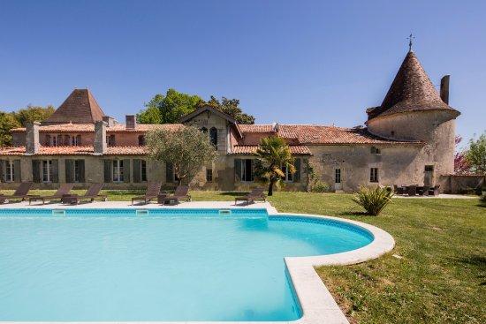 Leoville, France: Chambre d'hôte et gîte en Charente-Maritime avec piscine et spa