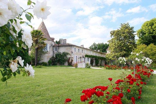 Leoville, France: Chambre d'hôte et gîte - Location en Charente-Maritime avec piscine et spa