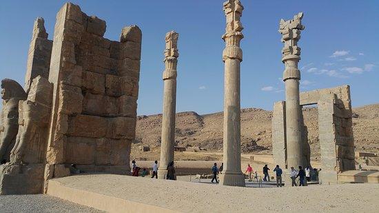 Persepolis Merupakan Ibu Kota dari Kekaisaran Achaemenid Persia