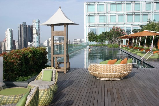 Hotel piscina singapore swimming pool with jacuzzi with - Albergo a singapore con piscina sul tetto ...