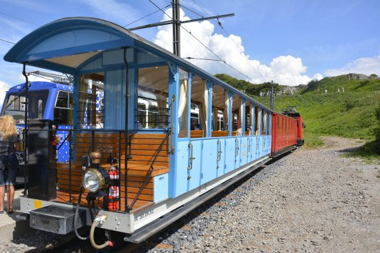 Rochers-de-Naye: Train Belle Epoque