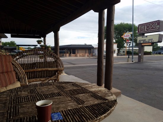 The Lodge On Route 66: Quiet and comfortable outdoor seating on Route 66