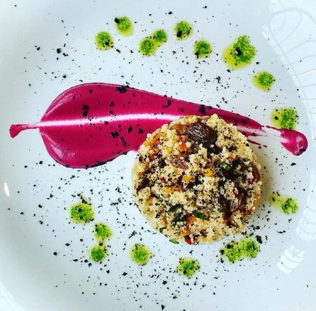 Castaneda, Spanje: Taboule de verduras y emulsion de remolacha