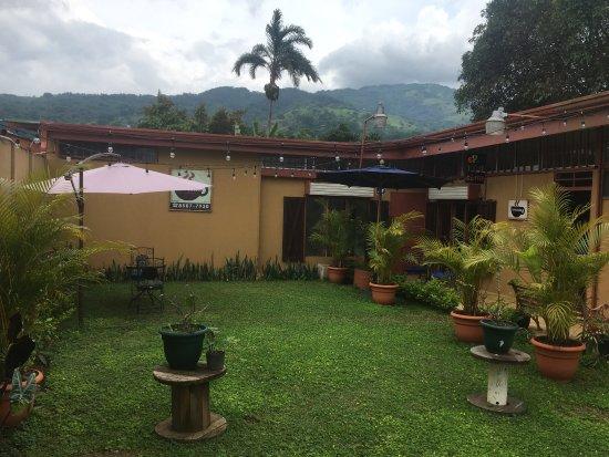 Ciudad Colon, Коста-Рика: Café Colón  Ambiente agradable para degustar el mejor Café de la zona de Ciudad Colón