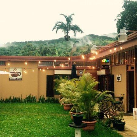 Ciudad Colon, Costa Rica: Café Colón  Ambiente agradable para degustar el mejor Café de la zona de Ciudad Colón