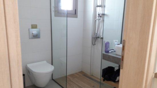 Apartments Minoa: Badkamer
