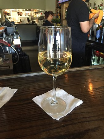 Bridgeport, Virginia Occidental: Glorious Pinot Gris
