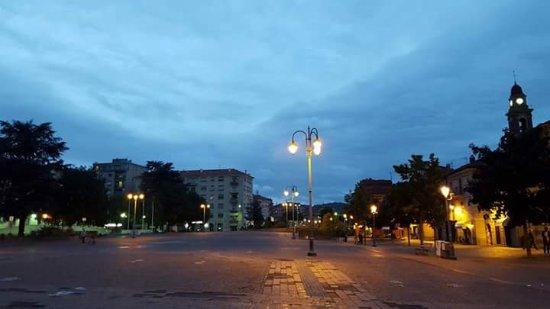 Cairo Montenotte, Italy: Da Piazza della Vittoria  a Via Roma