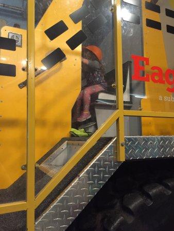 Upper Peninsula Children's Museum : Dump truck fun!