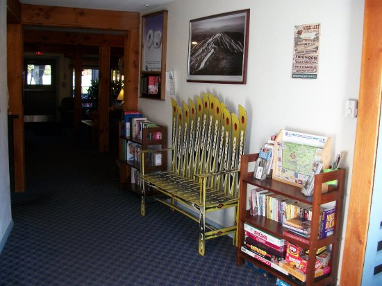 Lodge at Mount Snow: Lobby area