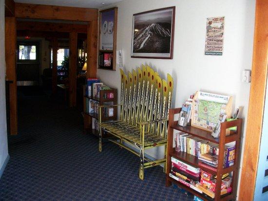 Dover, VT: Lobby area