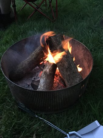 St Clears, UK: Great time had at Lakeside Leisure, especially a few drinks round the fire