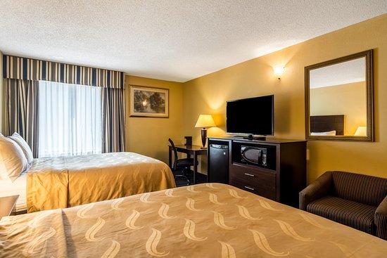 Sandersville, Géorgie : 2 Queen Bed: Coffee Maker, Hair Dryer, Microwave and Refrigerator, Clock Radio/AM-FM, Free WiFi