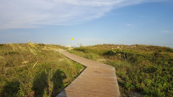 Murrells Inlet, SC: Boardwalk to beach