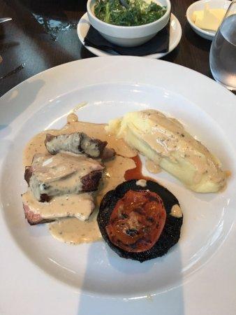 Dartford, UK: Main course in the restaurant