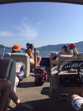 Captain Bob's Pontoon Boat Rentals: Enjoying the day on the lake