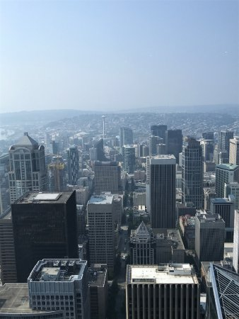 view looking at the space needle in the background picture of rh tripadvisor com