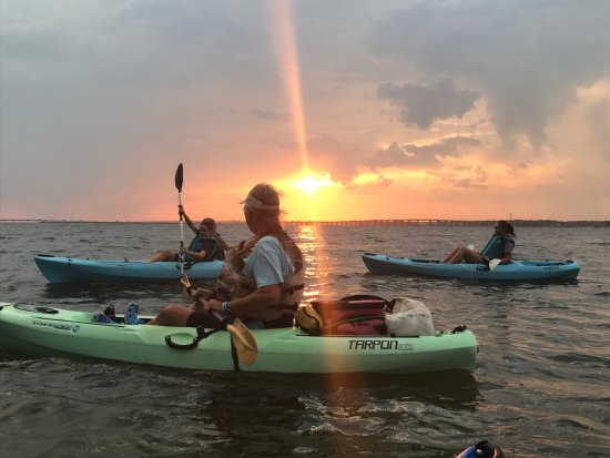 Navarre, FL: Another beautiful sunset on our Sunset Kayak Eco-Tour.